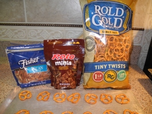ingredients rolo pretzel pecans